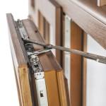 Okna Samoraj finestra PVC ferramenta Roto NT apertura a battente
