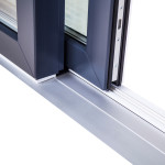 Okna Samoraj porta alzante scorrevole in pvc soglia ribassata in alluminio
